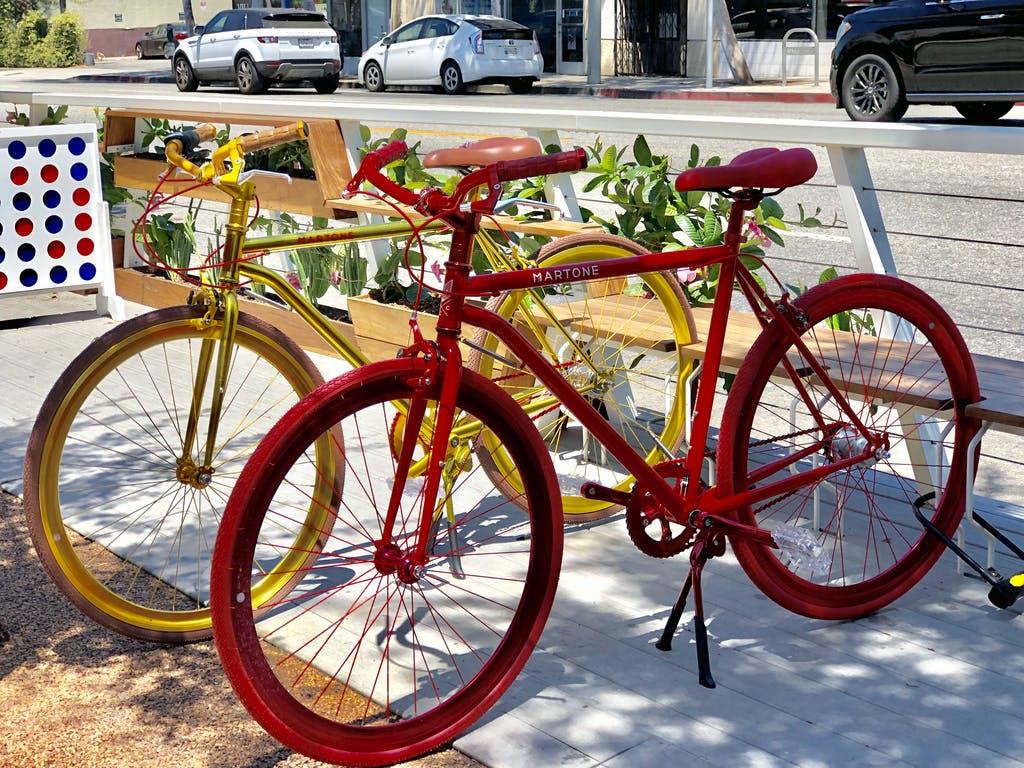 outside of bike shop la